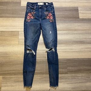 🆕Garage Embroidered Distressed Skinny Jeans Blue